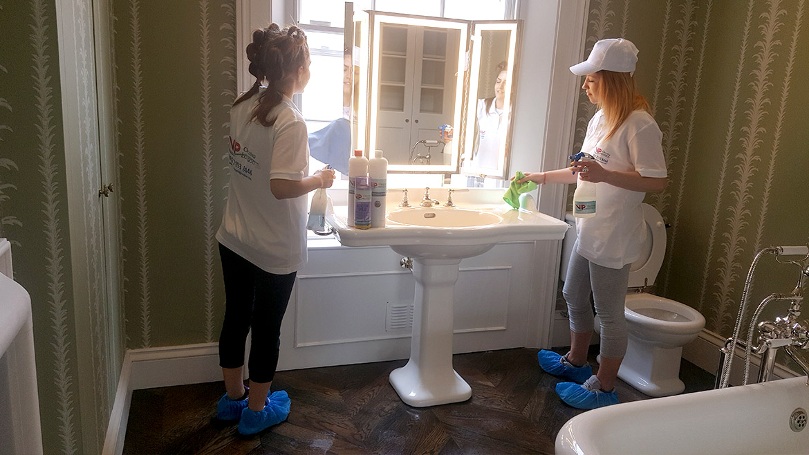 Deep cleaning services london vip cleaning london for Bathroom deep cleaning